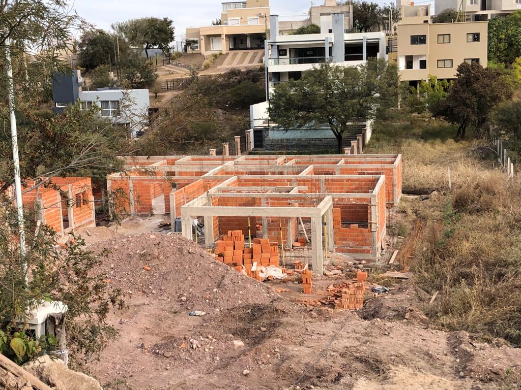 Duplex en Venta de 2 Dormitorios en La Calera Entrega Marzo/22